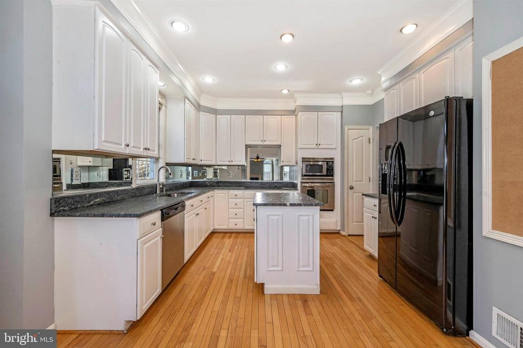 Kitchen - 6923 BARON CT, FREDERICK