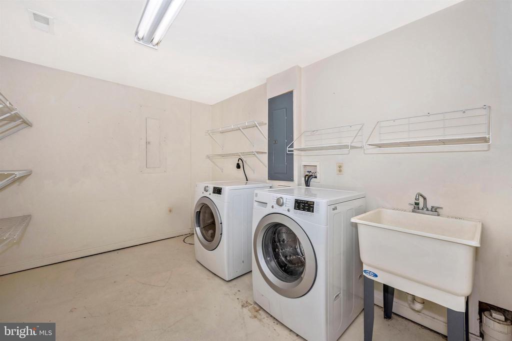 Basement - Nice sized laundry room - 6923 BARON CT, FREDERICK