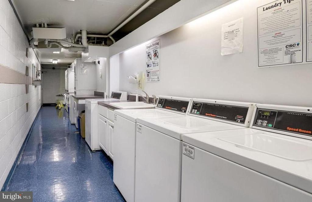 Common Laundry Area - 2030 N ADAMS ST #404, ARLINGTON