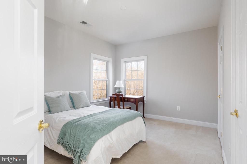 Secondary Bedroom - 42962 APPALOOSA TRAIL CT, CHANTILLY