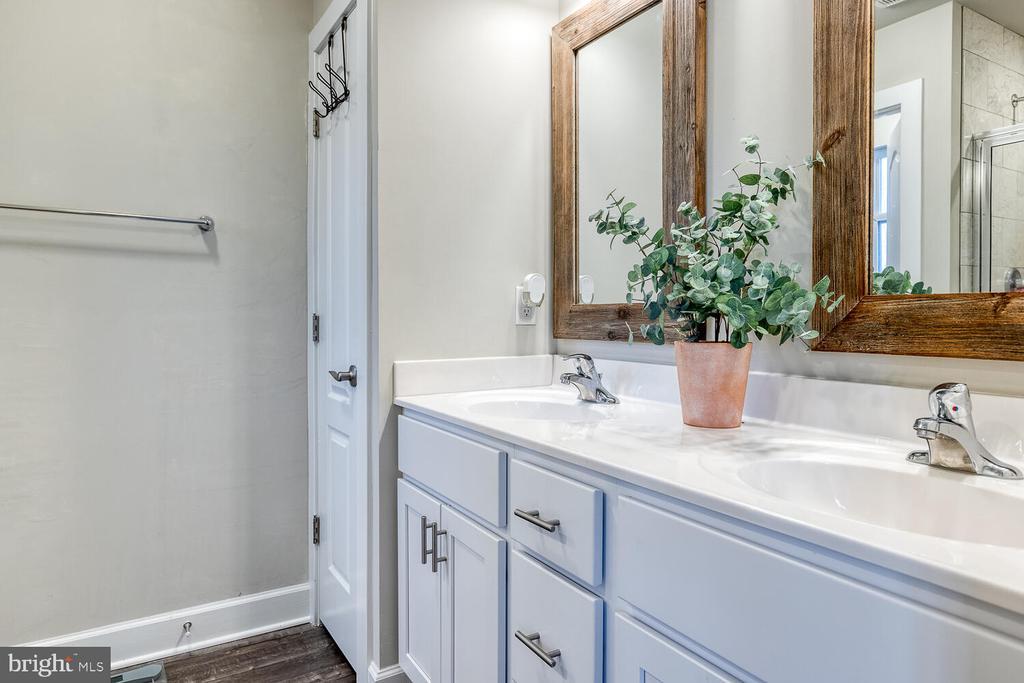 Primary Bathroom - 151 WOOD LANDING RD, FREDERICKSBURG
