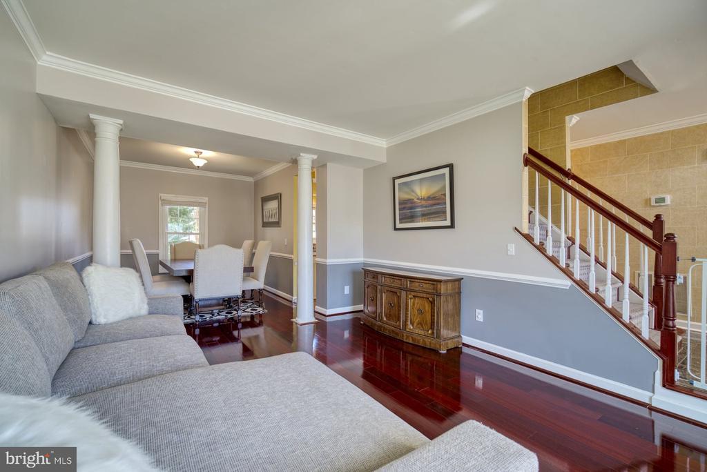 Living Room Flows into Dining Room - 43936 BRUCETON MILLS CIR, ASHBURN