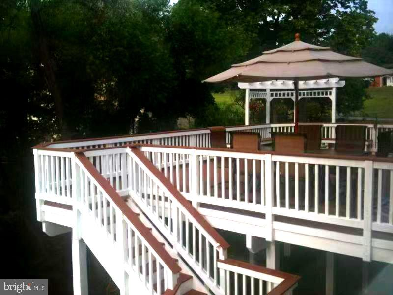 Deck - 201 GREENHOW CT SE, LEESBURG