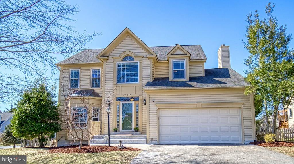 Make This Your Home! - 43936 BRUCETON MILLS CIR, ASHBURN