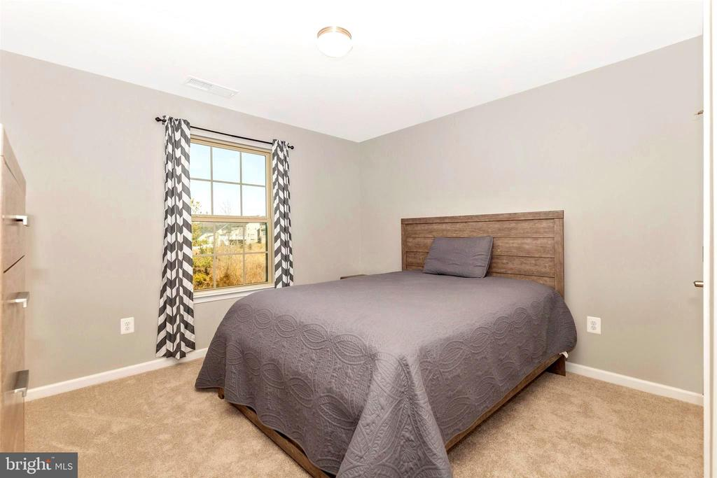 Bedroom 2 - 8714 PRESTON DR, FREDERICK