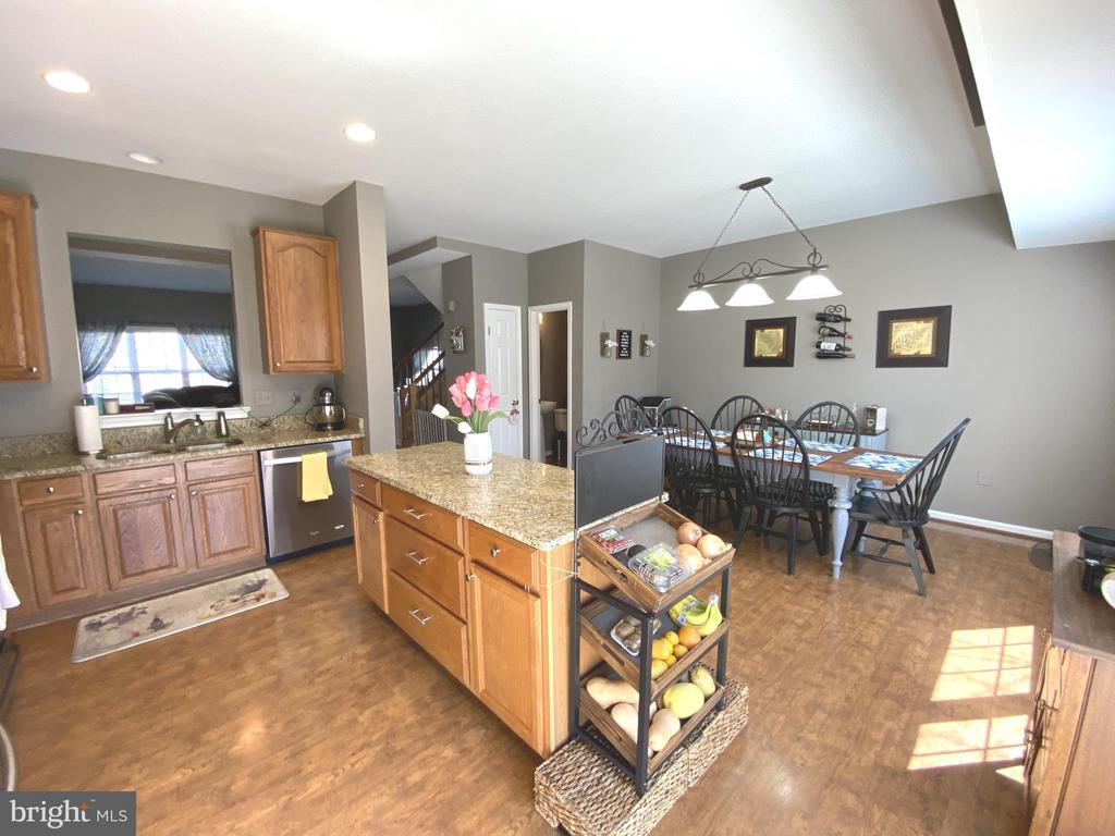 Spacious & Open - 14103 RED ROCK CT, GAINESVILLE