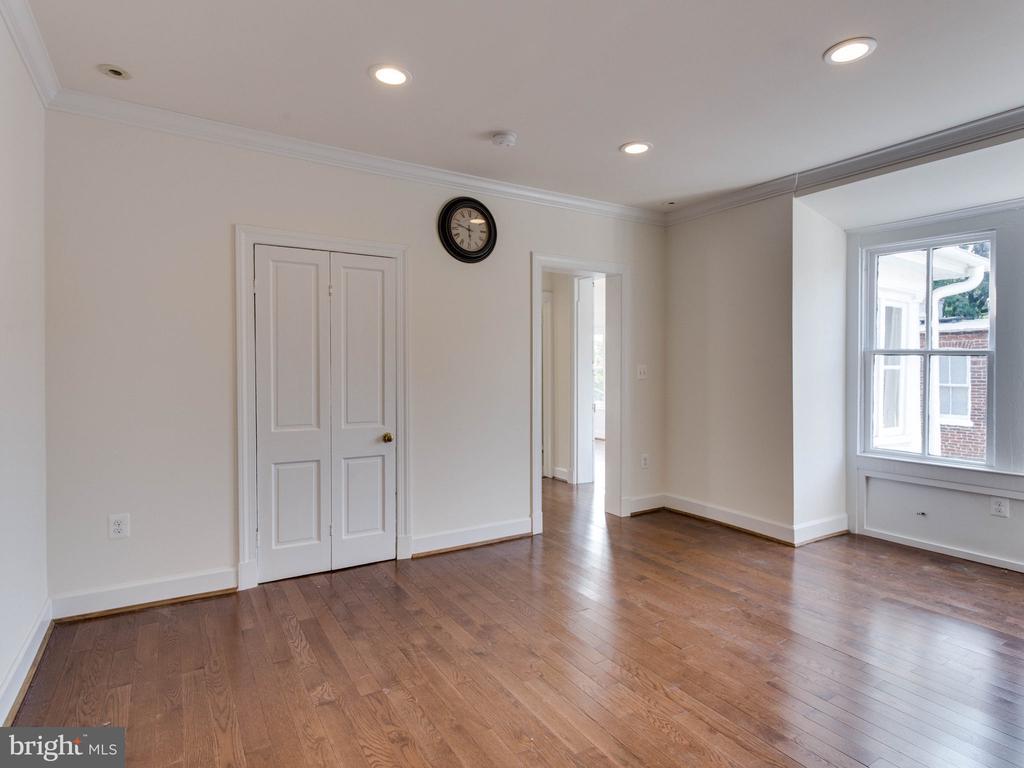 Upper Unit Family Room - 322 S WASHINGTON ST, ALEXANDRIA