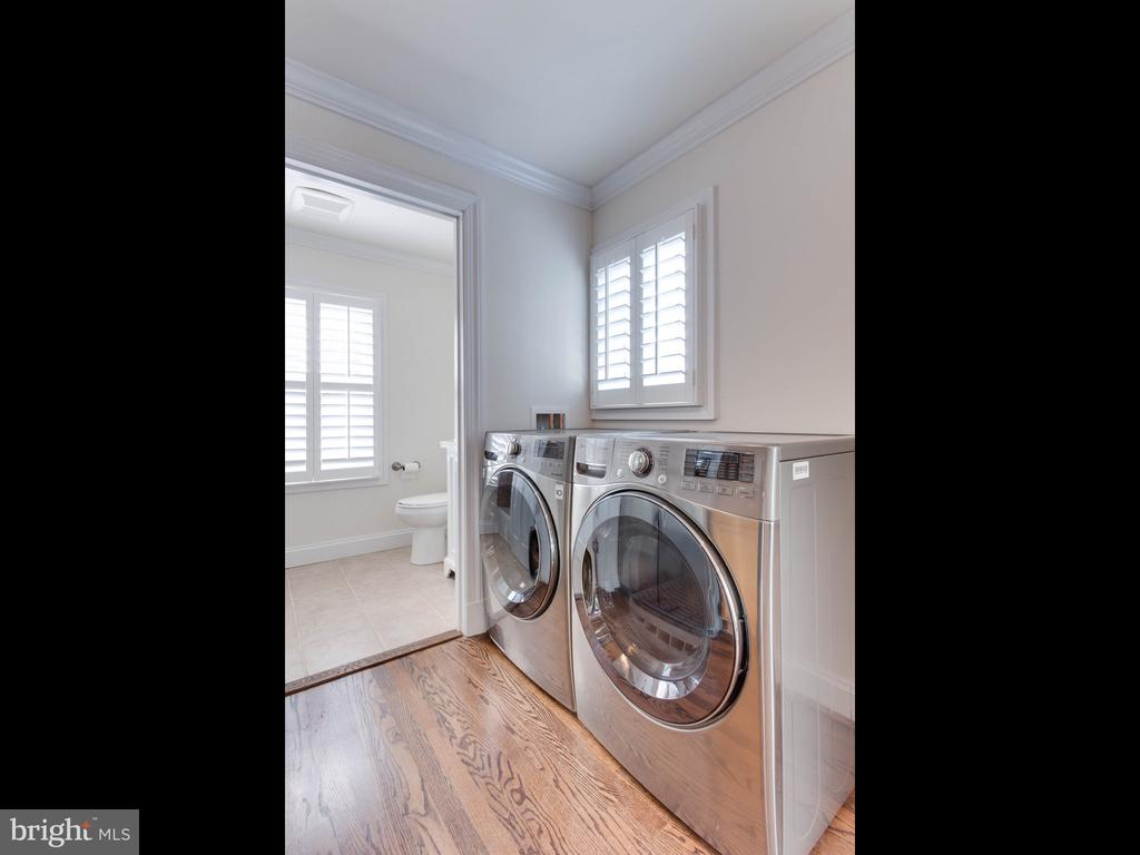Lower Unit Washer  & Dryer - 322 S WASHINGTON ST, ALEXANDRIA