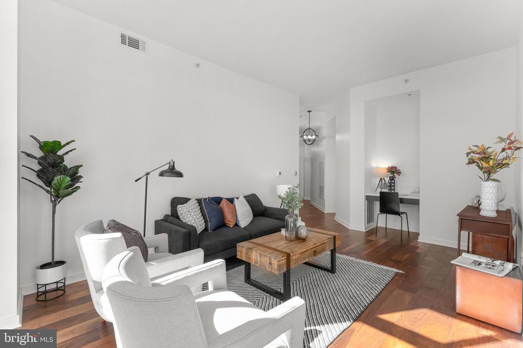 Living room - 1000 NEW JERSEY AVE SE #PH-19, WASHINGTON