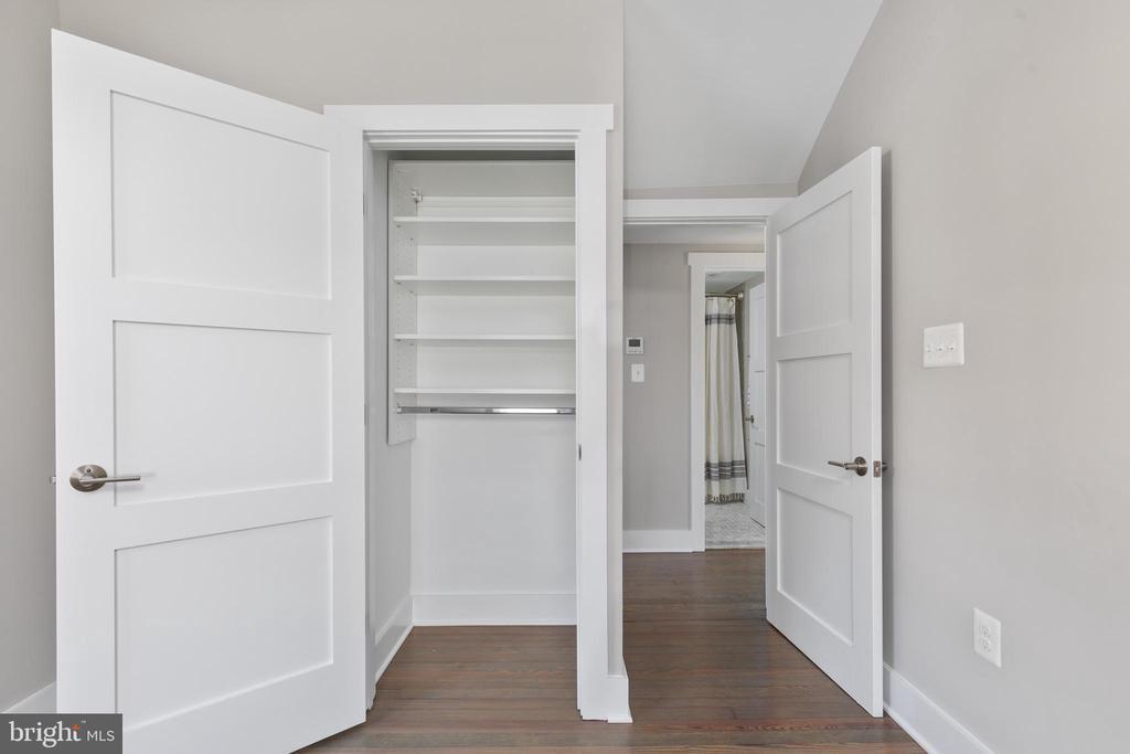Bedroom #2 - 250 LOUDOUN ST SW, LEESBURG