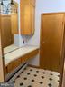 Main Level Full Bath - 206 W MAIN ST, MIDDLETOWN