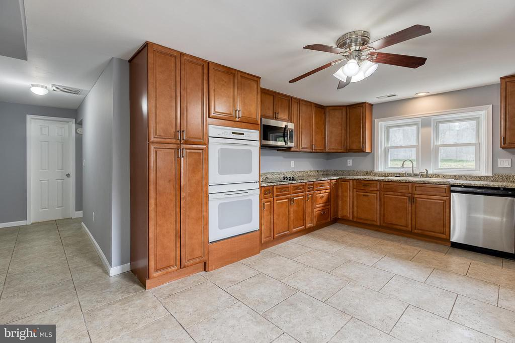 New microwave, cooktop, and dishwasher - 9011 BACKLICK RD, FORT BELVOIR