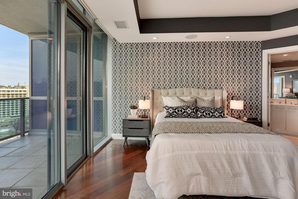 Bedroom #2 with En Suite Bath - 1881 N NASH ST #810, ARLINGTON