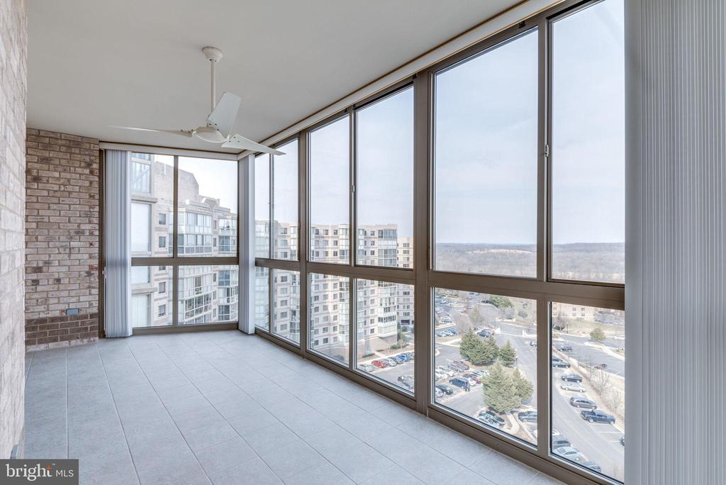 Enjoy the views of the Potomac River - 19365 CYPRESS RIDGE TER #1007, LEESBURG