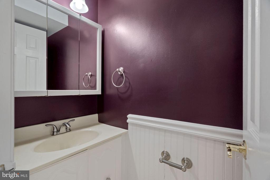 Lower level Half bath - 6703 WASHINGTON BLVD #F, ARLINGTON