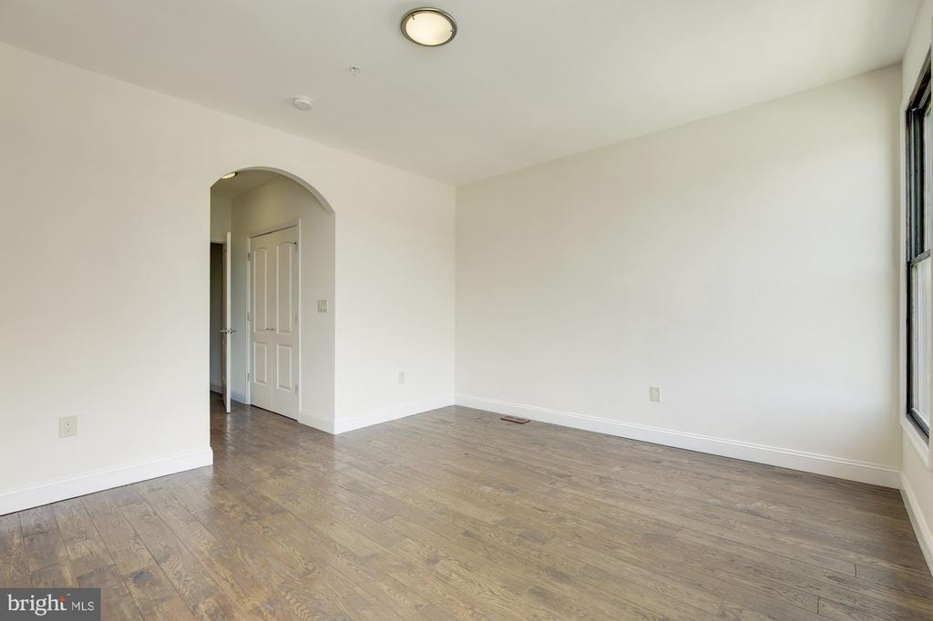 Bedrooms with Hardwoods - 335 H ST NE, WASHINGTON