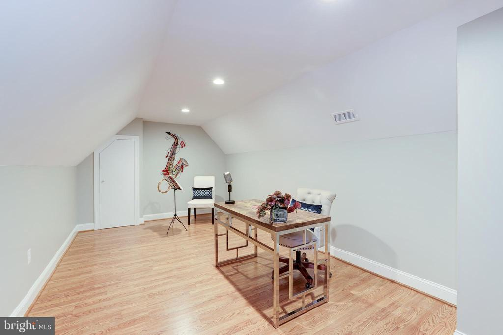 Sitting Room or Home Office (Off Primary Bedroom) - 214 N COLUMBUS ST, ALEXANDRIA