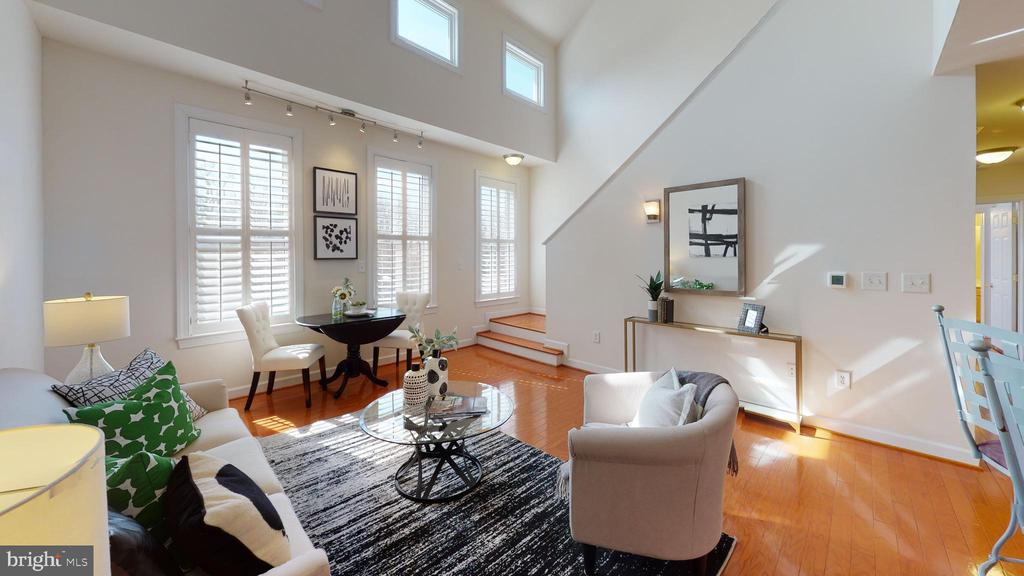 Sunny and spacious! - 35 E ALL SAINTS ST #319, FREDERICK
