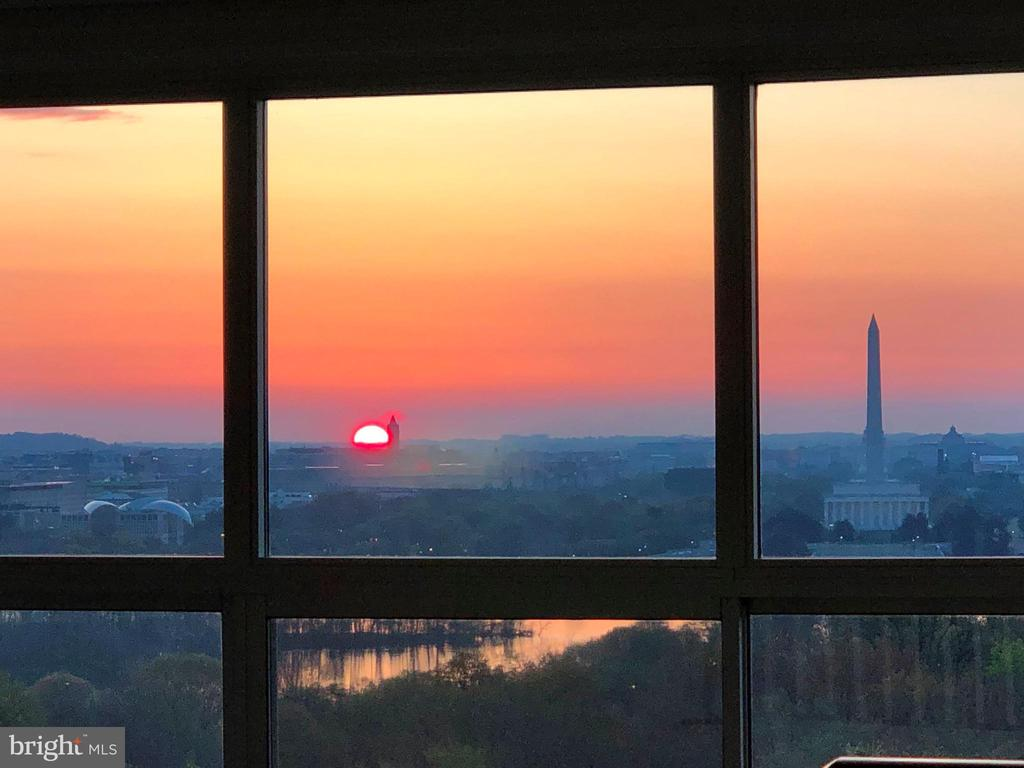 Sunset view from unit - 1200 N NASH #544, ARLINGTON
