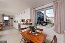 Breakfast Area in the spacious kitchen - 21943 ST LOUIS RD, MIDDLEBURG