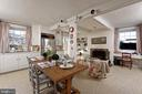 Space for a table in the kitchen - 21943 ST LOUIS RD, MIDDLEBURG