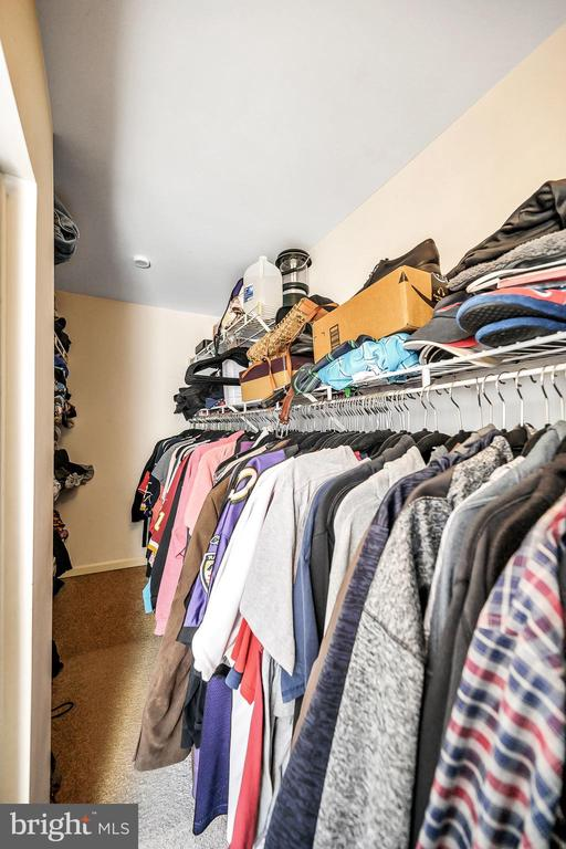 Large Primary Walk In closet - 706 PINNACLE DR, STAFFORD