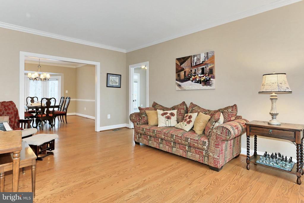 Formal Living Room - 6302 KNOLLS POND LN, FAIRFAX STATION