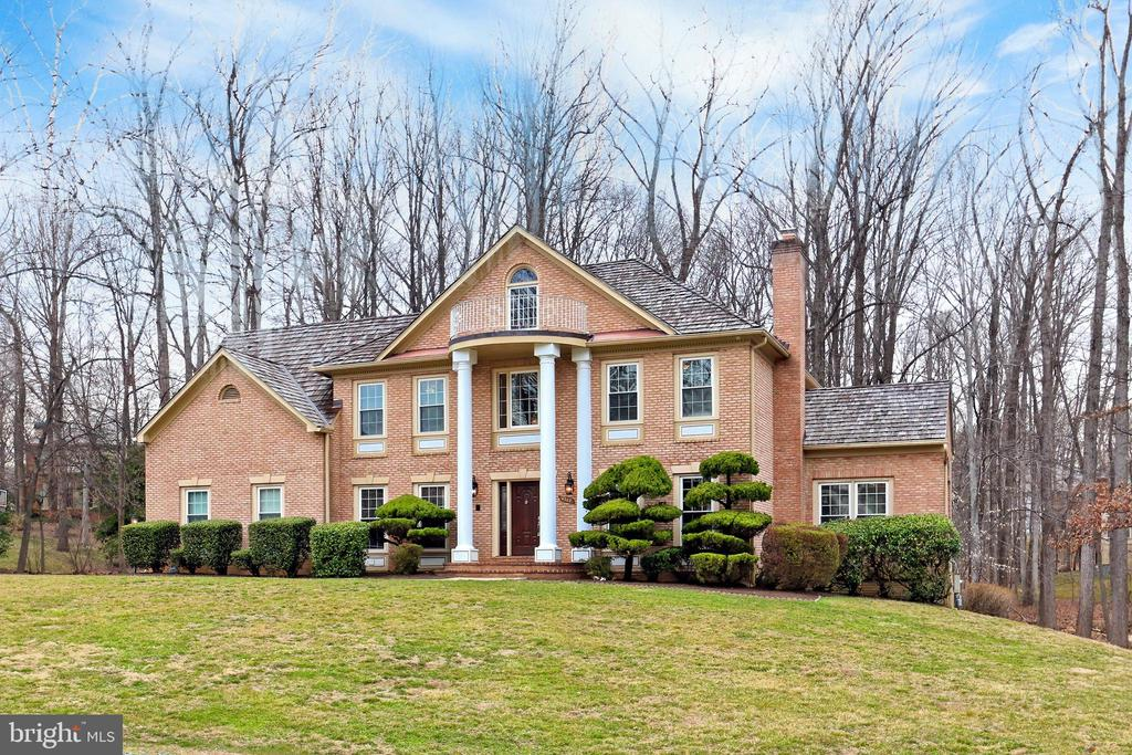 Welcome Home to 6302 Knolls Pond Ln! - 6302 KNOLLS POND LN, FAIRFAX STATION