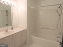 Features tub/shower combo AND - 19365 CYPRESS RIDGE TER #416, LEESBURG