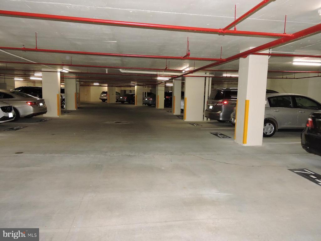 Parking Garage - 19365 CYPRESS RIDGE TER #416, LEESBURG