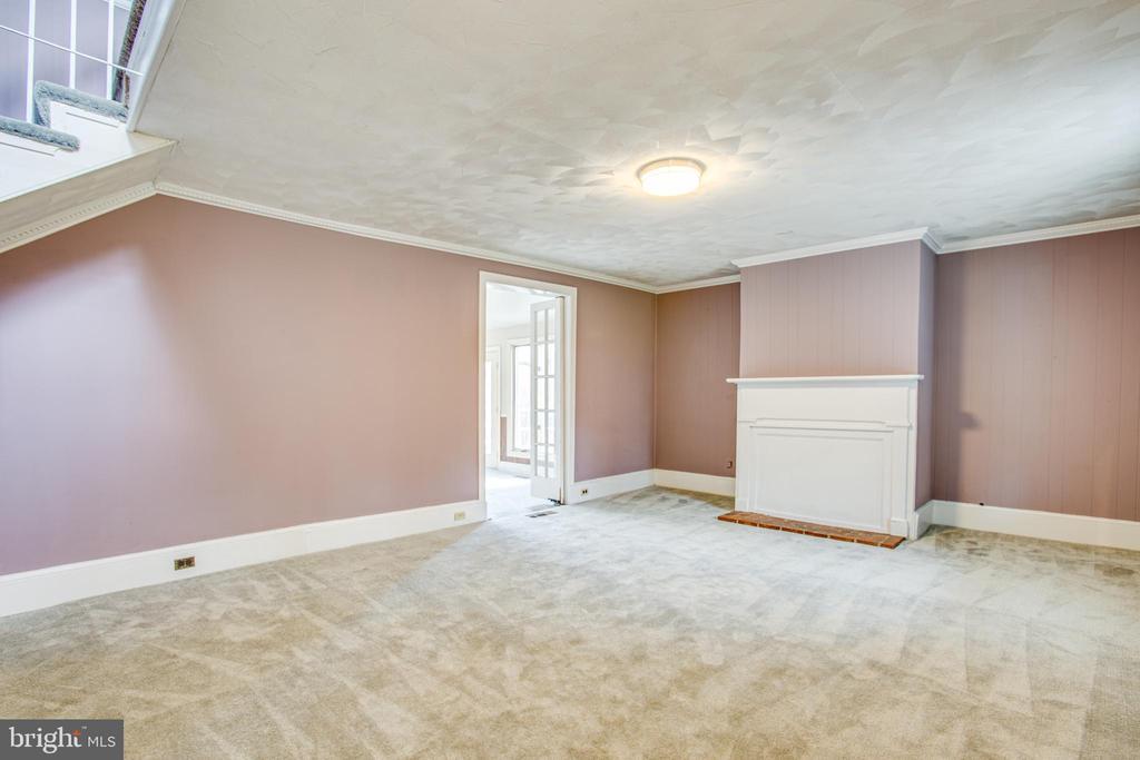 Open Living Room - 6407 PLANK RD, FREDERICKSBURG
