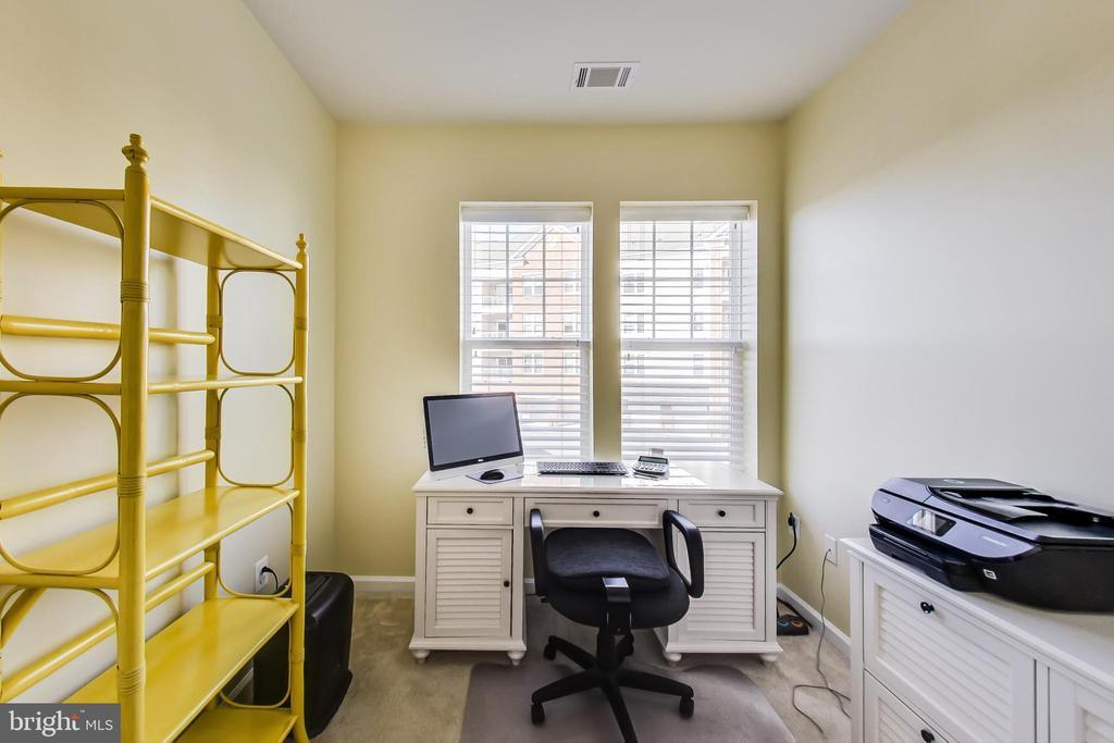Bonus Room/Den/Office - 20570 HOPE SPRING TER #204, ASHBURN