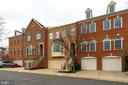 Row of 4 Townhomes - Parking Spaces in Front - 10502 CATESBY ROW, FAIRFAX