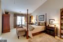 Owner's Suite with Soaring Vaulted Ceiling - 10502 CATESBY ROW, FAIRFAX