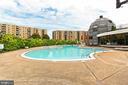 Beautiful outdoor pool for summer fun in the sun! - 8380 GREENSBORO DR #1017, MCLEAN