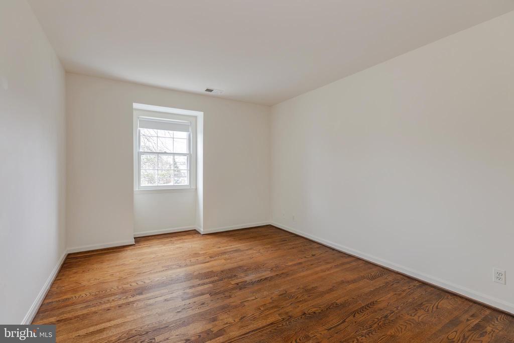 Upper Level 2nd Bedroom - 4741 23RD ST N, ARLINGTON