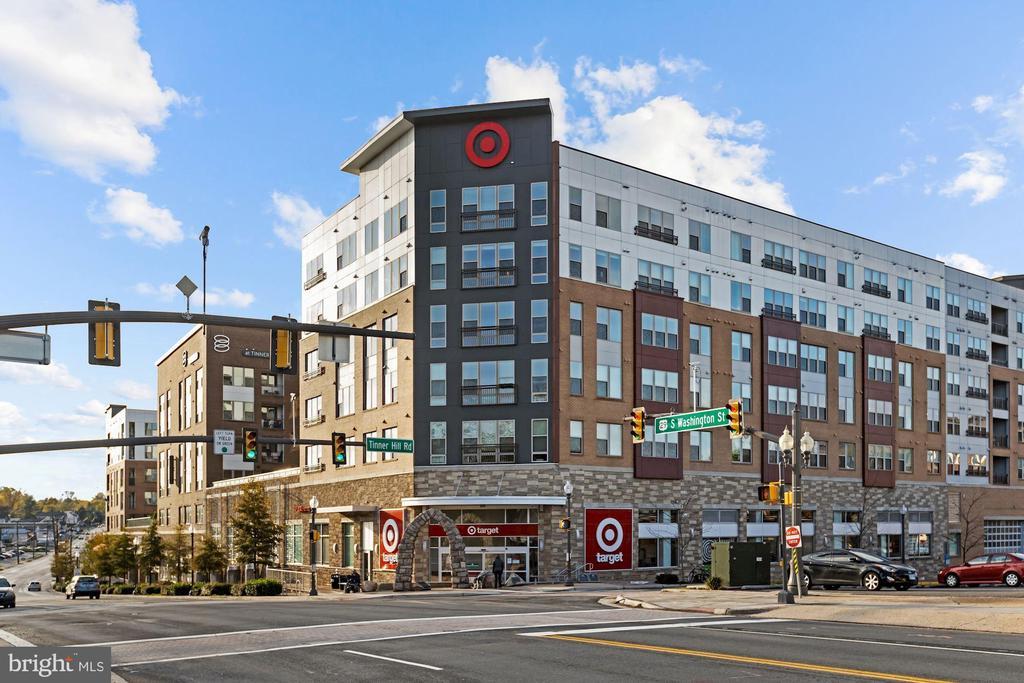 Shopping - 6703 WASHINGTON BLVD #F, ARLINGTON