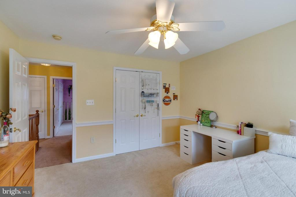 All bedrooms are well sized - 15230 BOWMANS FOLLY DR, MANASSAS