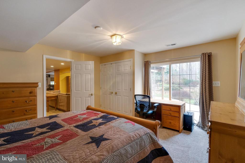 5th bedroom with view of yard - 15230 BOWMANS FOLLY DR, MANASSAS
