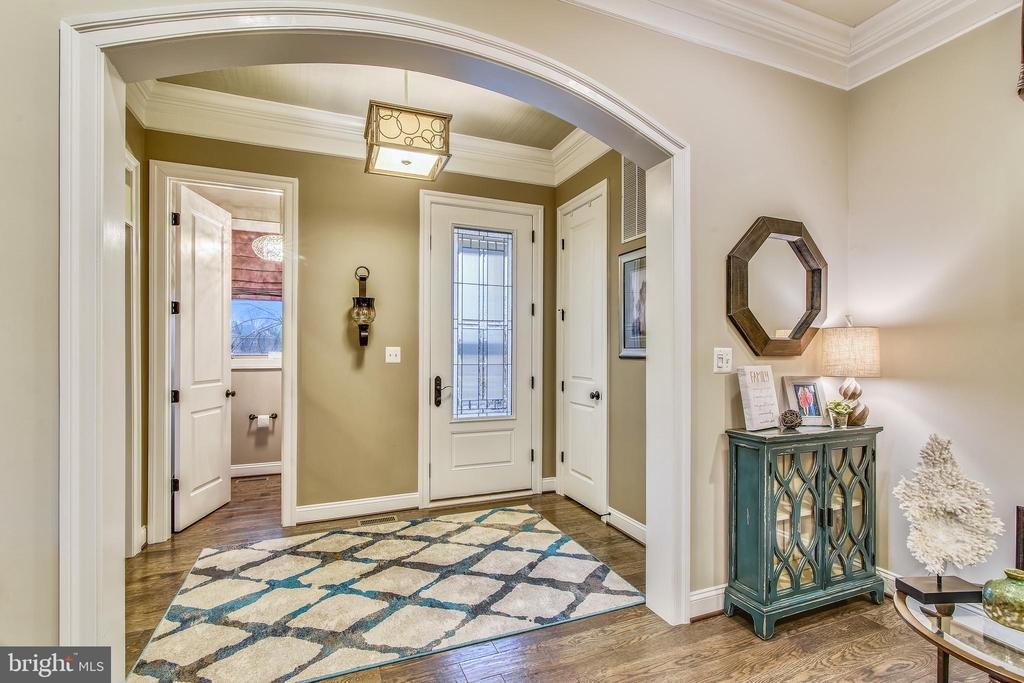 ELEGANT ARCHED ENTRYWAY TO WELCOME YOUR GUESTS. - 20800 EXCHANGE ST, ASHBURN