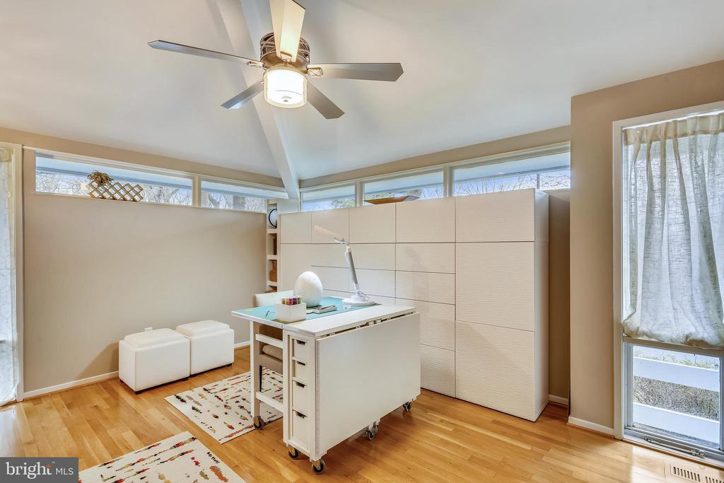 3rd BEDROOM WITH LARGE CLOSET/STORAGE LOFT - 5025 WISSIOMING RD, BETHESDA