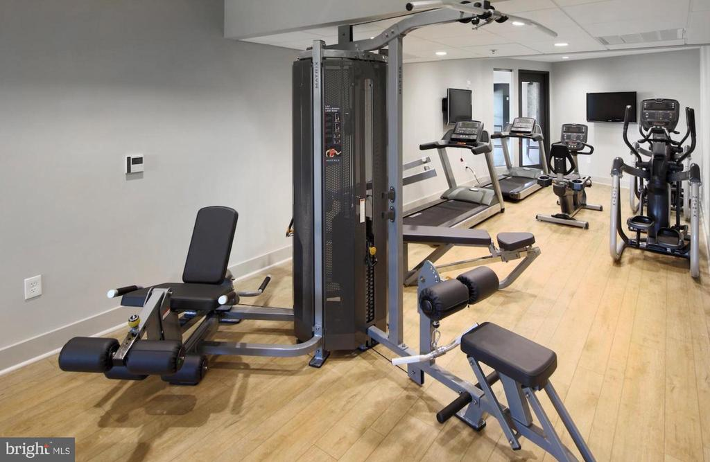 Clubhouse fitness - 42897 BEAVER CROSSING SQ, ASHBURN