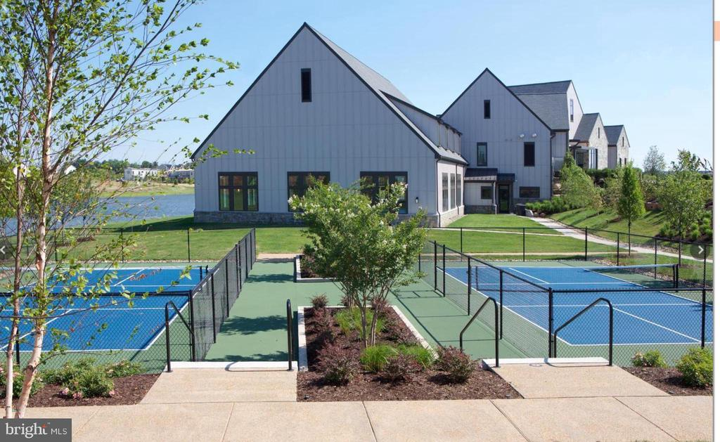 Clubhouse pickleball and bocce - 42897 BEAVER CROSSING SQ, ASHBURN