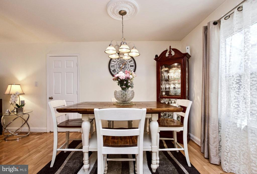 Dining Room - 405 W MAPLE AVE, STERLING