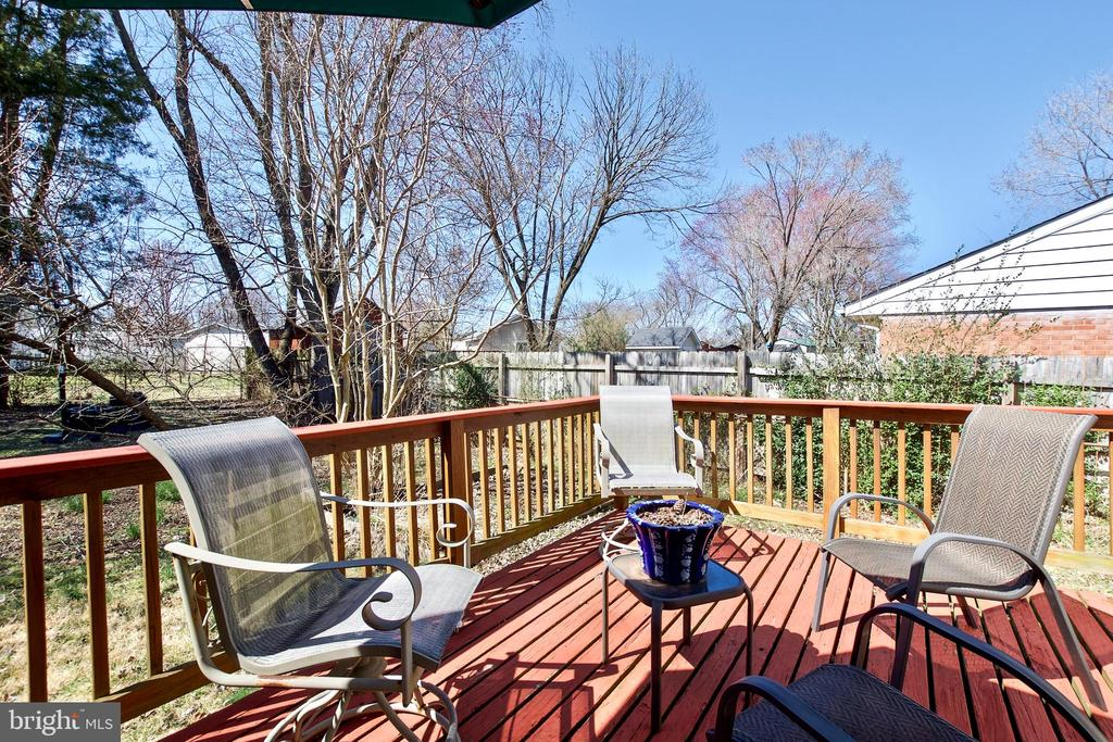 Deck - 405 W MAPLE AVE, STERLING