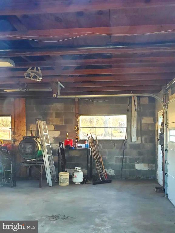 INSIDE OF GARAGE - 1700 KIMBLE RD, BERRYVILLE