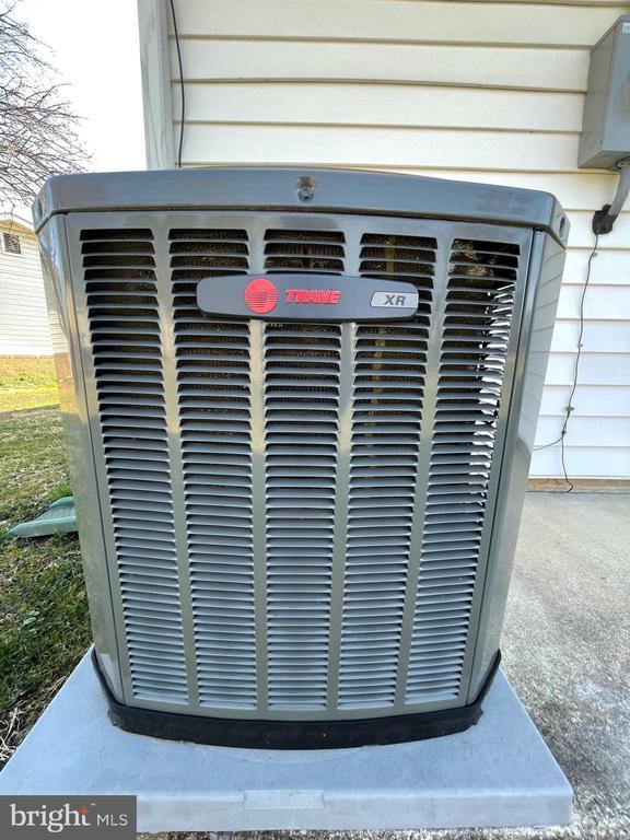 NEW  2017 Trane Heat Pump - 302 MANOR CT, FREDERICK