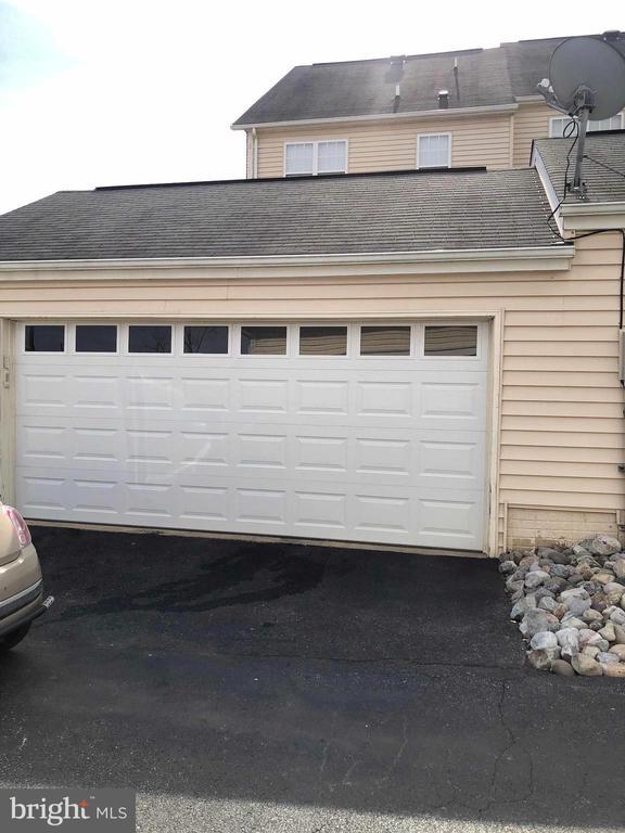 2 car detached garage - 23600 BENNETT CHASE DR, CLARKSBURG