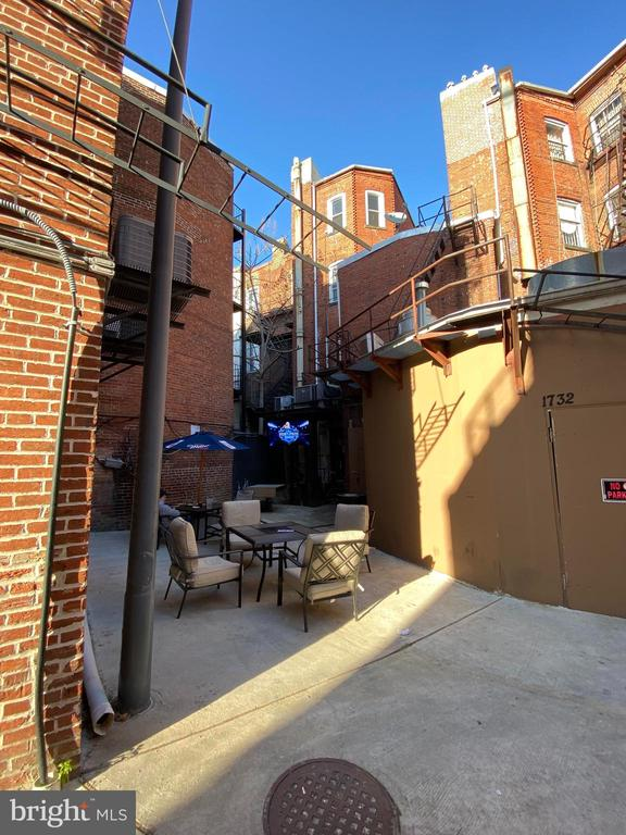 Rear of building - tables are on the property - 1734 CONNECTICUT AVE NW, WASHINGTON
