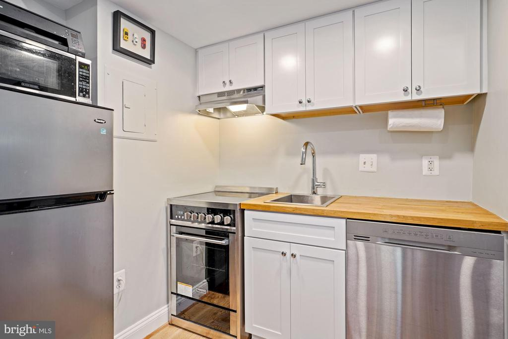 Kitchen (1 of 2) - 1701 16TH ST NW #318, WASHINGTON